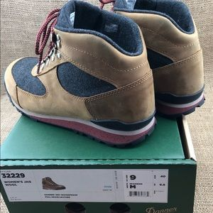 f1154274e67 Danner Jag Wool Hiking Boots 9M in Elk Brown